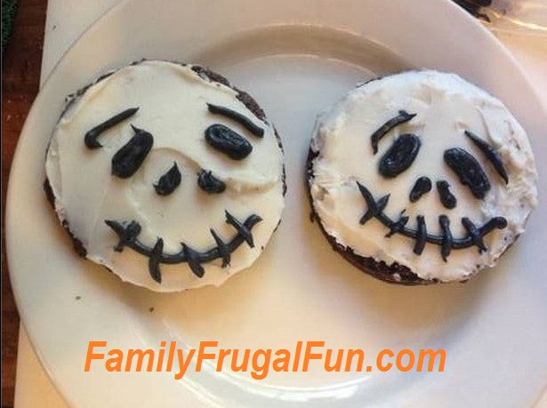 """Halloween will be here before we know it. I have been making a bunch of different and easy Halloween desserts for kids lately and I wanted to share some with you here. My kids have been loving the different desserts and I love that they are not """"spooky"""" Halloween. We like Halloween in our house."""